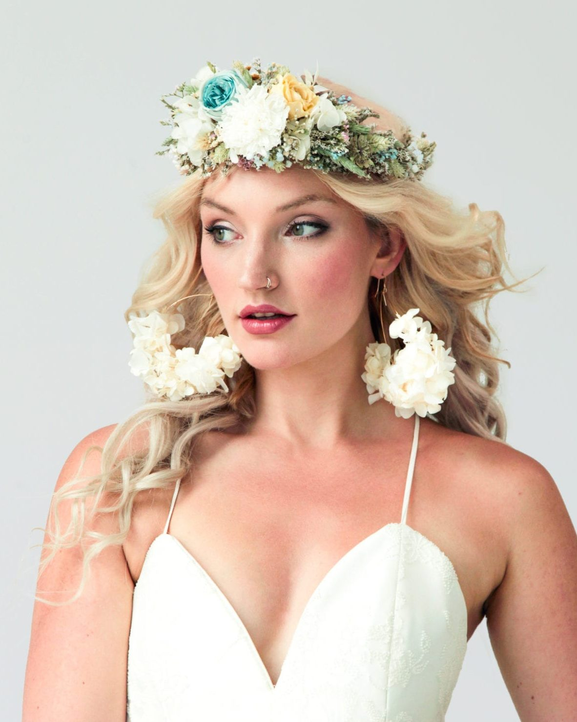 boho look with dried flower crown